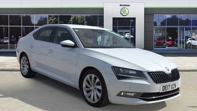 SKODA Superb 2.0 TSI Laurin + Klement 5dr DSG Petrol Hatchback